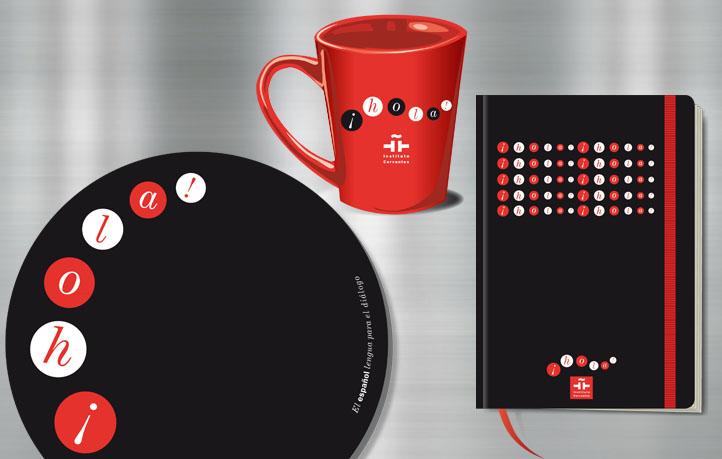 diseno objetos merchandising instituto cervantes mouse pad mug cuadernos